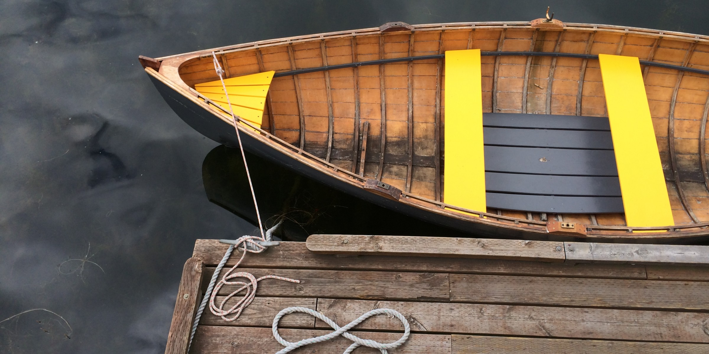 yellow hull and rope